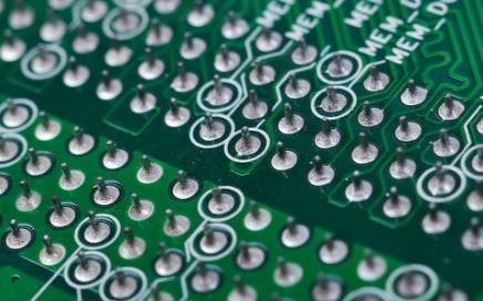 512Kx16低压超低功耗sram的主要特征有哪些