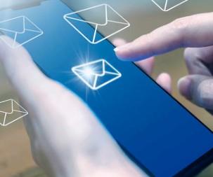 华为新款折叠屏手机Mate X2曝光成功入网