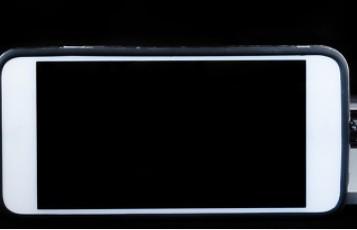 iPhone13系列将标配传感器位移式光学防抖系统