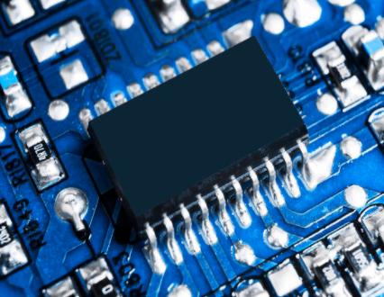 Intel新CEO坚持要在美国制造芯片