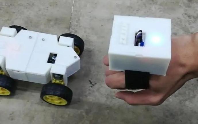 基于STM32的手势控制小车设计