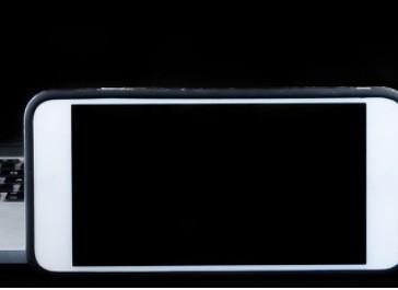 苹果今年新款旗舰或命名iPhone12S
