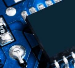 晶圆产能紧缺,全球车用芯片大厂开启涨价策略
