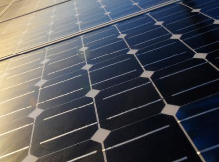 如何在光伏和风电发展绿色电力?