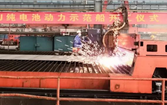6.55MWh+的磷酸铁锂动力电池系统  亿纬配套首艘换电集装箱船开建
