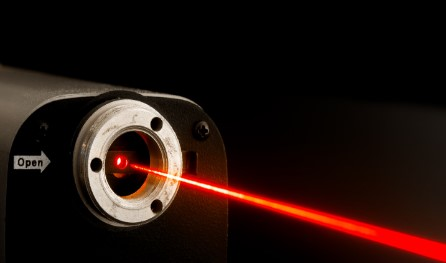 东京大学利用激光特性开发出更通用的自适应驾驶光束技术系统