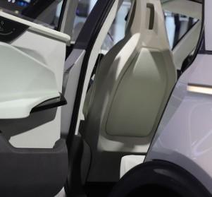 售价大调整!特斯拉Model 3首次降价