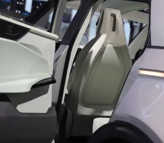 国内首个无人驾驶量产车型威马W6正式开启预售