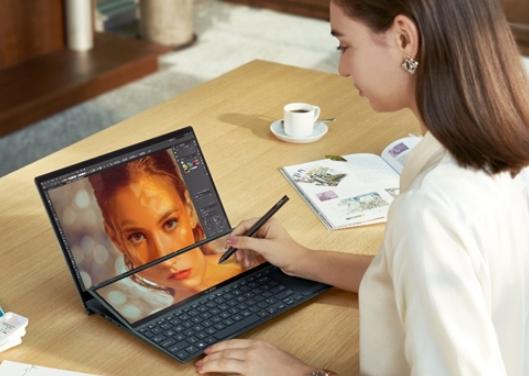 华硕灵耀X双屏Pro新品正式发布