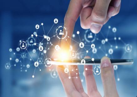 华为拉开了2021年折叠屏手机市场的序幕