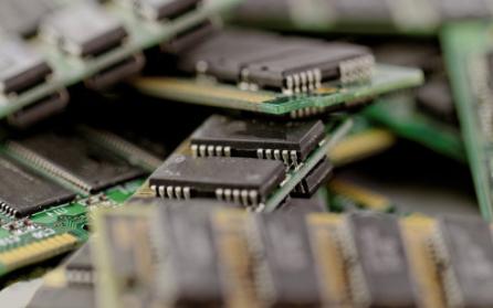 导热界面材料助力解决机器人主板的散热问题