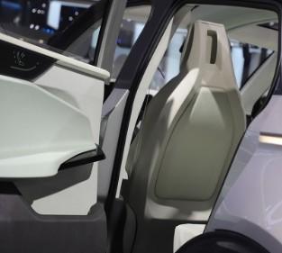 国产Model Y关注度迅速超过Model 3车型?