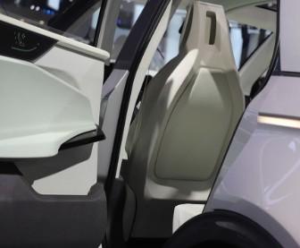 富士康首款電動汽車將于年底發布