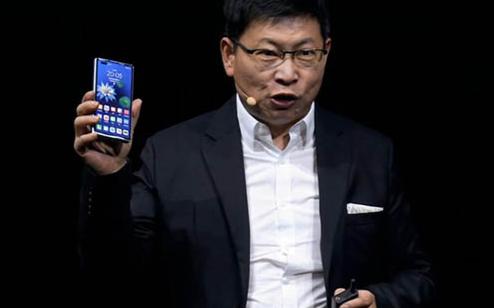 华为5G折叠屏手机Mate X2惊艳亮相!250万人预约,17999元起!