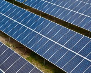 美国在太空中成功测试一块太阳能电池板