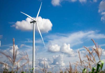 国内首台操大功率漂浮式风力发电机已下线