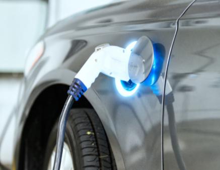 特斯拉将为更多车型换成磷酸铁锂电池