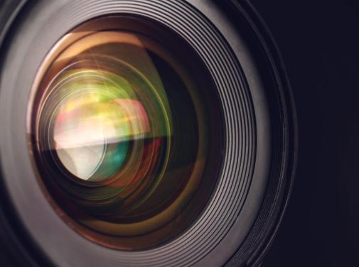 2021年全球智能手机摄像头传感器出货量约59亿颗