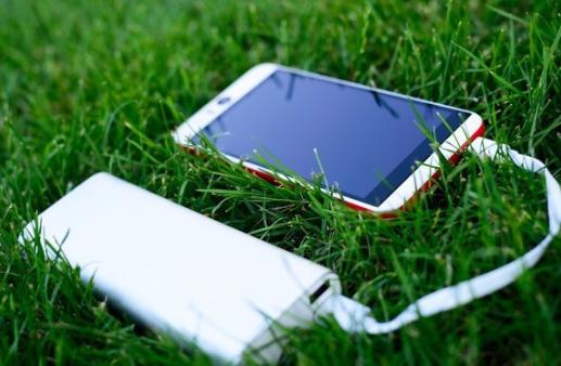 苹果正研发两款可支持反向充电的MagSafe移动电源