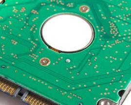 Intel推出基于144层QLC技术的670p固态硬盘