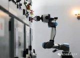 国内首台变电站智能操作机器人投入使用