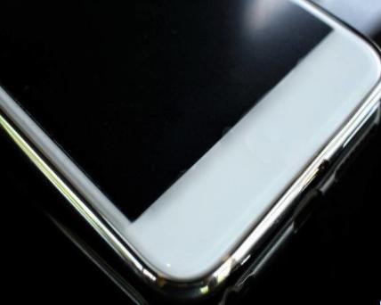 三星因一加手机从而卖屏幕更加容易了