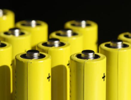 现代因电池自燃而召回8万辆电动汽车