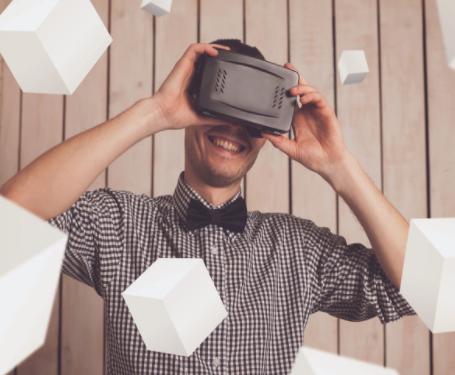 HTC近期将推Vive 2 VR头显新品