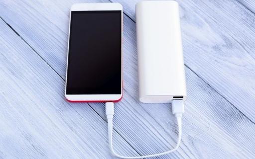 iphone不配充電器被罰,市場可達千億級別