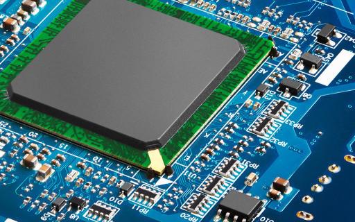 系统制造商对新的四内核处理器的反应不一