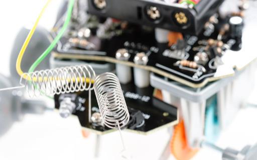 如何判斷交流發電機整流二極管的極性