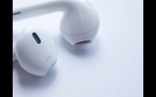 曝苹果已在生产苹果 AirPods 3 光学传感器?