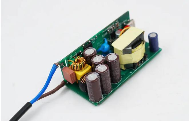 【全套国产芯片】亚成微65W高功率密度氮化镓快充参考设计评测