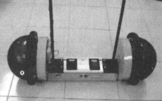 基于ATmega128单片机实现自平衡机器人控制系统的应用方案