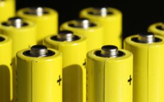 18650鋰電池在快充充電條件下熱-力耦合分析