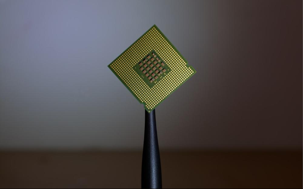应对全球供应链波动考验,小鹏、百度和小米们自研芯片提速
