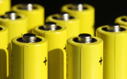磷酸铁锂电池将是电动汽车电池的发展方向
