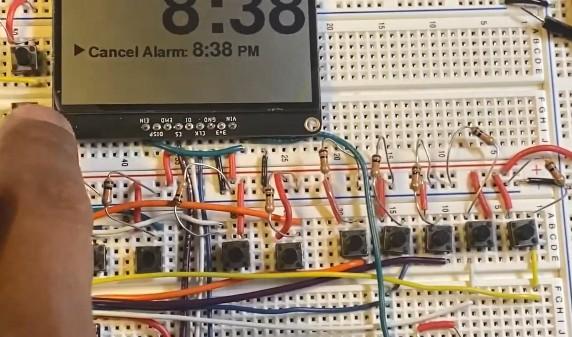 基于追踪一个低功耗可破解显示器的制造方案