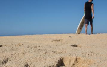 風沙運動中沙粒速度的二維歐拉顆粒兩相流模型