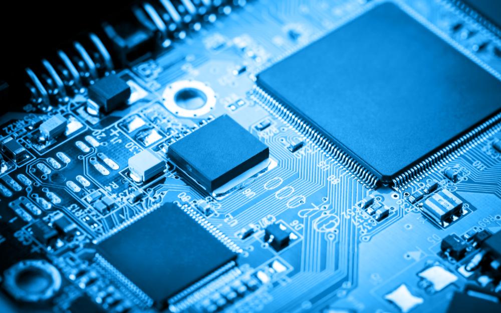 紫光国微:车联网芯片产品已在国产汽车中实现小批量试用