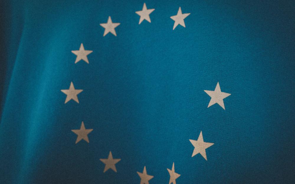 """歐盟工業專員敦促歐盟改變往日在芯片供應方面的""""幼稚""""做法"""