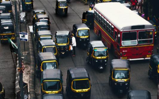 每秒4人確診,印度疫情失控,鴻海、緯創、多家汽車制造商受影響