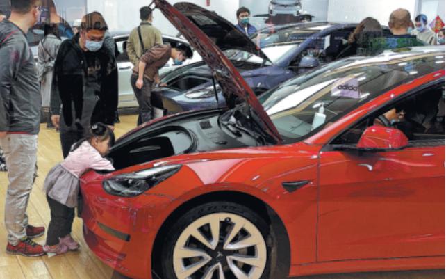 德国宝马计划在中国建36万充电桩 特斯拉4月全球新能源车销量登顶