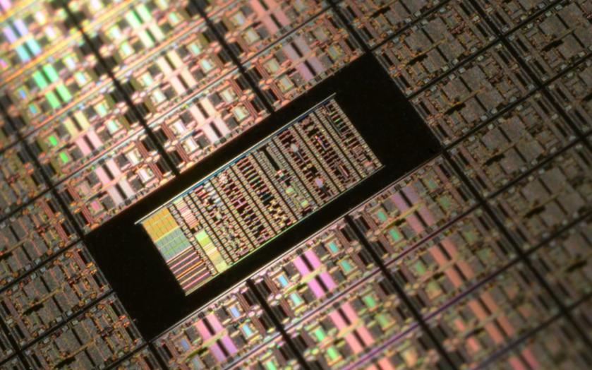 """國產GPU""""王炸"""",廠商一口氣拿下400萬顆芯片,但追趕英偉達不那么容易"""