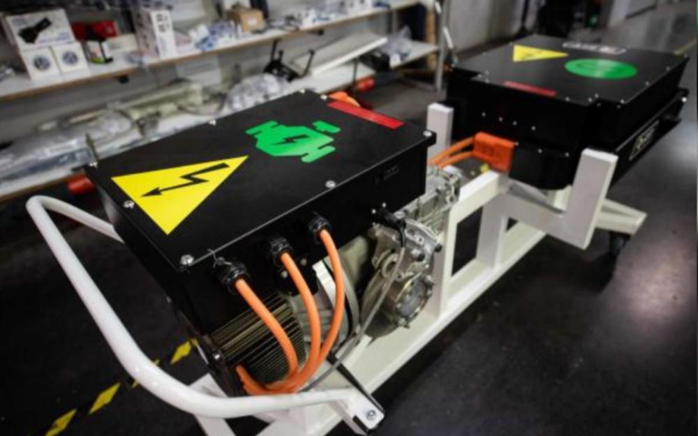 特斯拉拟采用LG化学四元锂电池 三星投资2000亿韩元扩大圆柱形锂电池产能
