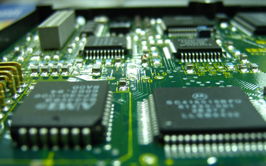 一年涌入超2万家企业,三四个人就能干?数字芯片门槛很低吗?