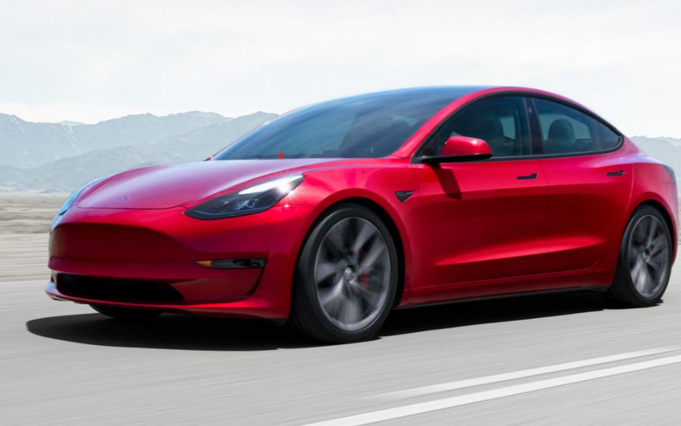 特斯拉Model 3再次大幅降價;美國制造業回流,擬75%零部件必須在美生產……