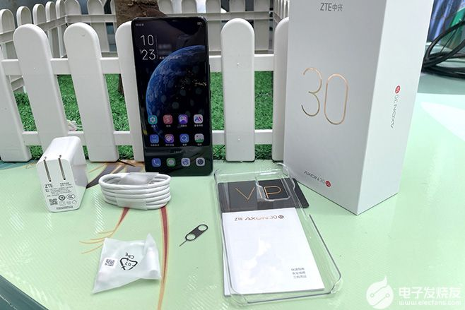 中兴Axon30评测 中兴axon30参数真全面屏手机二代诚意满满