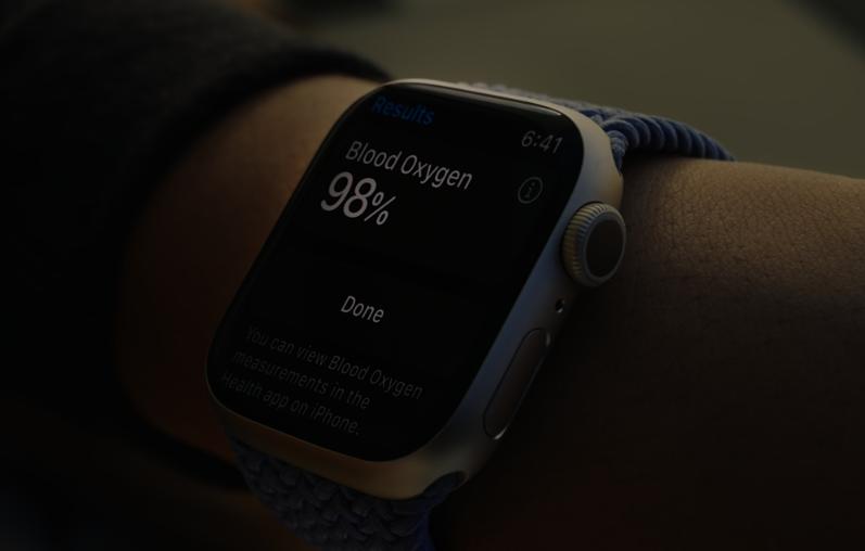 苹果推出新款智能手表 功能丰富很抢眼