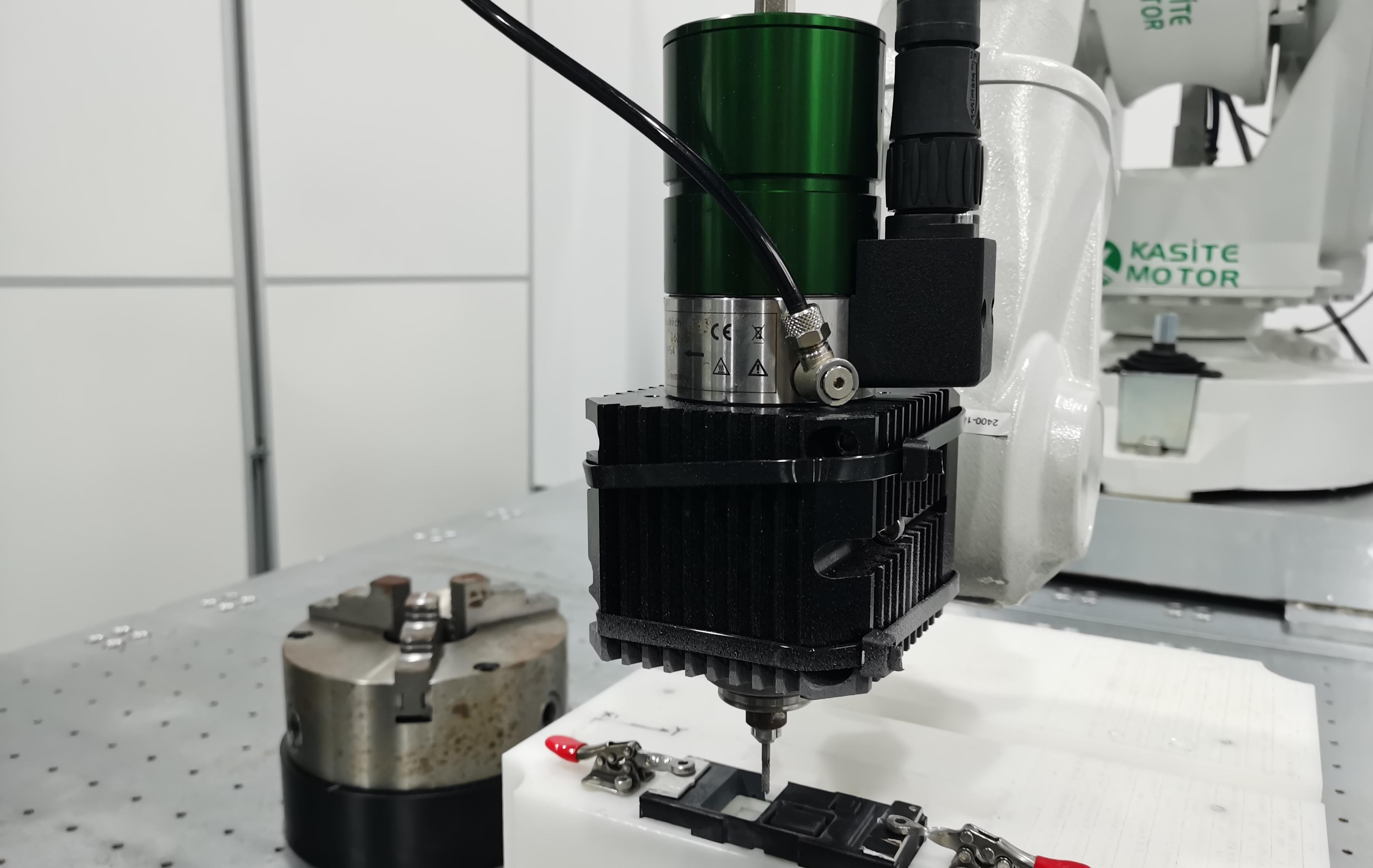 机器人多维度高速精密切割加工 引领切割技术升级